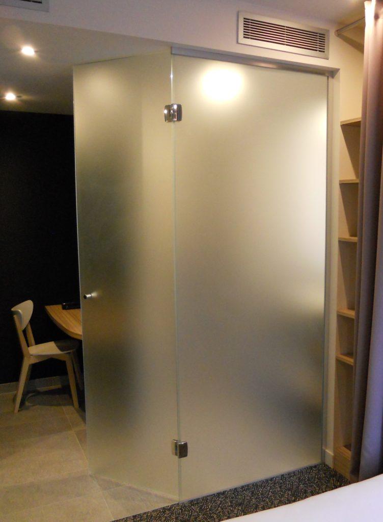 Cloisonnement séparatif chambre/sdb verre dépoli toute hauteur