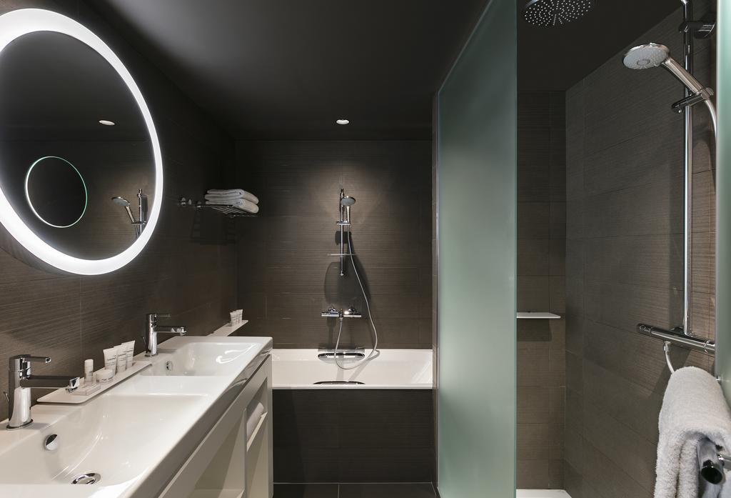 Façade de douche fixe toute hauteur + porte verre dépoli type QUA.1212.XX.ALU.TTH