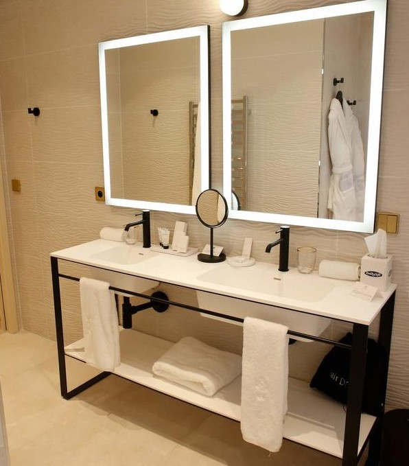 Miroir rétro-éclairé Tech